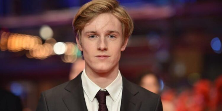 Louis Hofmann Net Worth