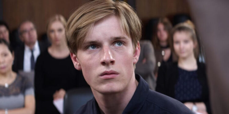 facts about Louis Hofmann