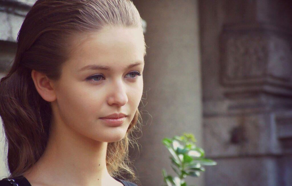 Kristina Romanova Bio